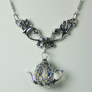 Gift - teapot necklace