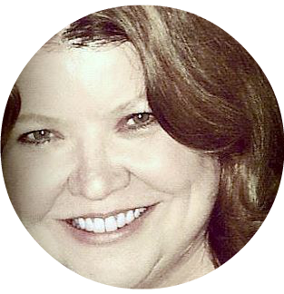 Dee - Profile Pic